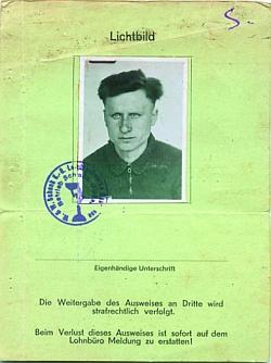 Пропуск в слесарную мастерскую фирмы «Schenk» № 1236 Василевского Александра, 1916 года рождения. Выписан 1.08.1944 г.